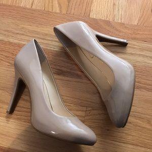 Jessica Simpson Nude Pumps - Size 7.5